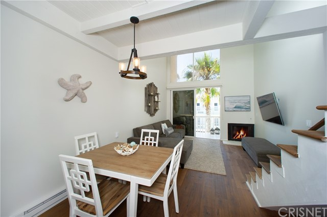 22 E Navy St, Santa Monica, CA 90291 Photo 5