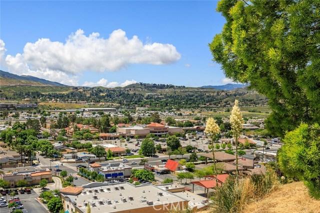 18602 El Dorado Court, Canyon Country CA: http://media.crmls.org/mediascn/ca2b7d8b-7bdc-405d-9e39-675efefbd9a7.jpg