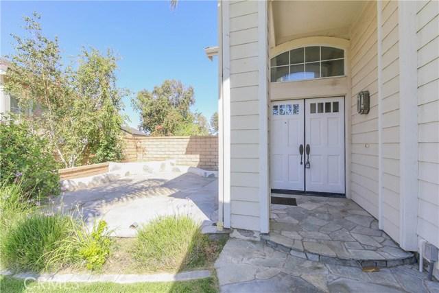 27449 Waynesborough Lane, Valencia CA: http://media.crmls.org/mediascn/ca2d7158-5957-403b-b752-2d65a14e2923.jpg