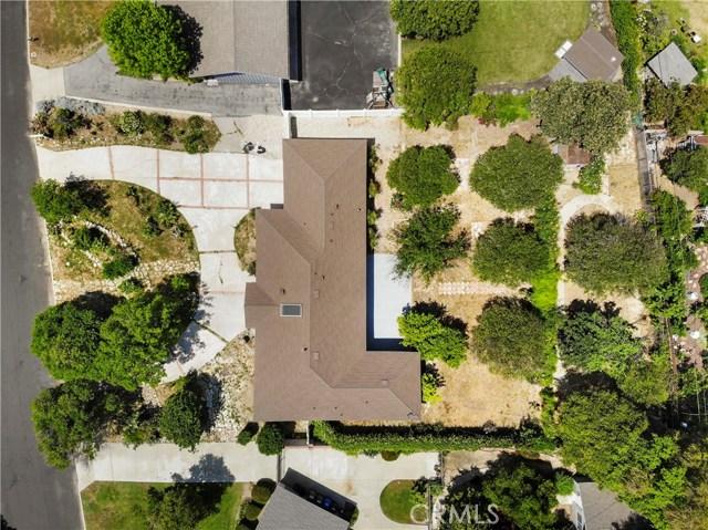 17825 Sunburst Street, Sherwood Forest CA: http://media.crmls.org/mediascn/ca556a2b-aef5-4b6a-a055-d563f06dbbb5.jpg
