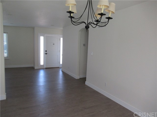 23056 Lanark Street, West Hills CA: http://media.crmls.org/mediascn/cac4c580-3f5d-4a03-a16c-8e15d11c0ddb.jpg