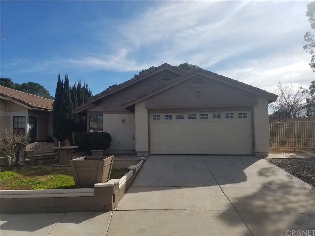 Property for sale at 2606 Fairfield Avenue, Palmdale,  CA 93550