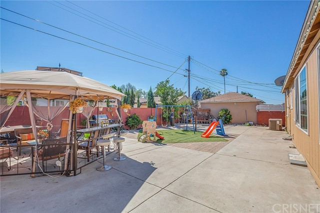8240 Beeman Avenue, North Hollywood CA: http://media.crmls.org/mediascn/cb2ae53f-3e24-4b2c-a029-9904a3425e76.jpg