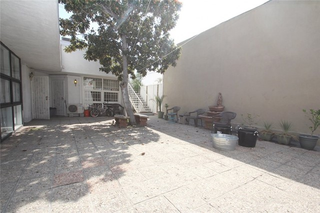 8032 W 3rd St, Los Angeles, CA 90048 Photo 4
