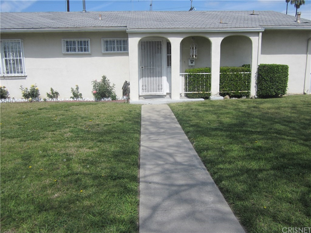 23433 VICTORY Boulevard, West Hills, CA 91307