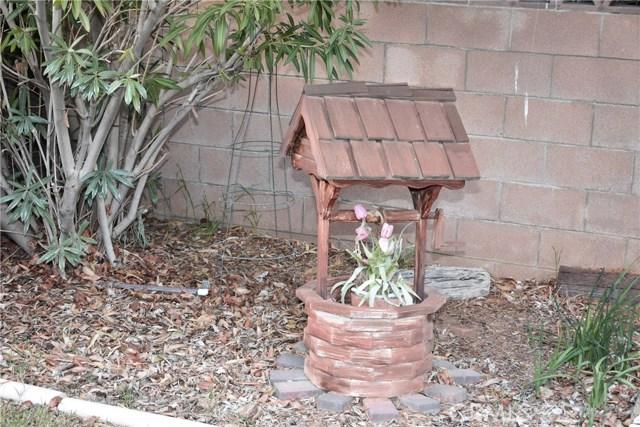 41631 55th W Street, Quartz Hill CA: http://media.crmls.org/mediascn/cbbb159d-c309-451d-af90-51e85f51ab47.jpg