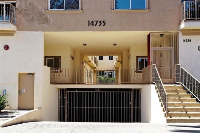14735 Friar Street, Van Nuys CA: http://media.crmls.org/mediascn/cc474cab-9f4b-4f75-9cbb-f1452fbf7b9e.jpg