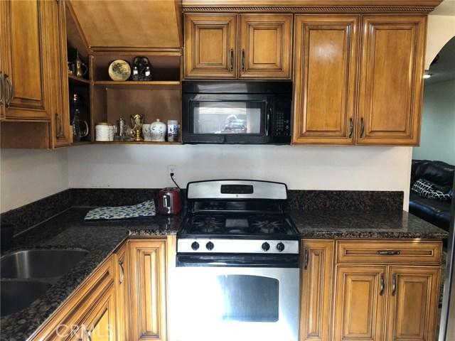 17053 Roscoe Boulevard, Northridge CA: http://media.crmls.org/mediascn/cc49c4db-a25e-4c87-8fff-5b6d4155a103.jpg