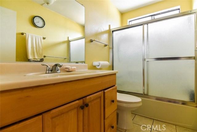 5805 Whitsett Avenue, Valley Village CA: http://media.crmls.org/mediascn/cc4b062a-68b4-4d55-b64f-49756bb5d15b.jpg