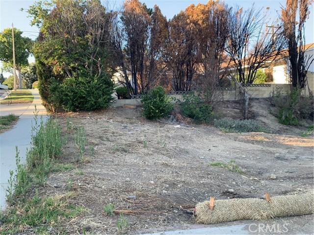 5460 Parkmor Road, Calabasas CA: http://media.crmls.org/mediascn/cc8294a3-4af7-46d2-814c-c6830ee96b3c.jpg