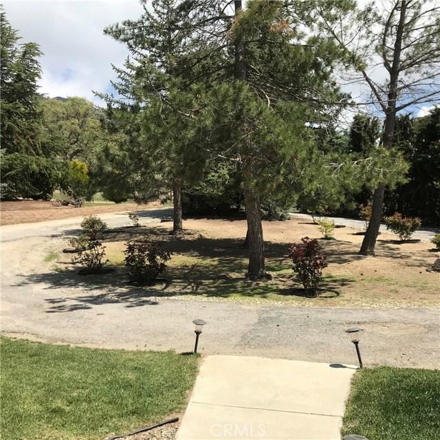 23821 Coyote Court, Bear Valley Springs CA: http://media.crmls.org/mediascn/cca59a66-2bd1-4fbf-a879-03150a2fa23b.jpg