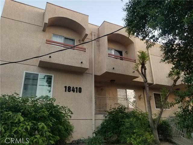 18410 Saticoy Street, Reseda CA: http://media.crmls.org/mediascn/cd332aa3-d415-4903-9a34-dd7485c900f5.jpg