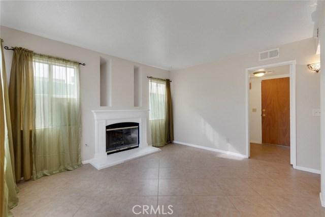 44222 Lively Avenue, Lancaster CA: http://media.crmls.org/mediascn/cd49738d-768a-4868-9ba6-06c8a7578fd4.jpg