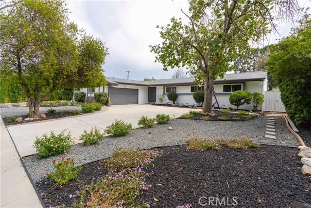 18638 Ludlow Street, Northridge CA: http://media.crmls.org/mediascn/cd63bd3e-2706-45d2-95c9-3ad0b4ae529a.jpg