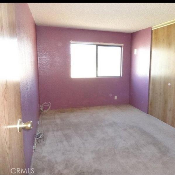 25220 W Avenue B8, Lancaster CA: http://media.crmls.org/mediascn/cd71e05b-7d6f-4547-9123-d97637afe2cc.jpg