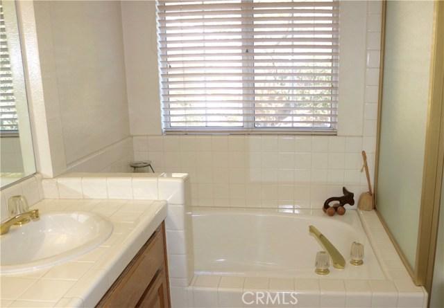 20950 Oxnard Street Unit 14 Woodland Hills, CA 91367 - MLS #: SR18017936