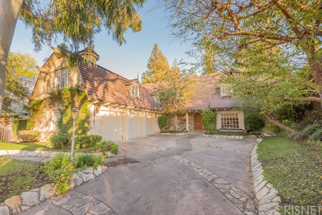 Single Family Home for Sale at 4538 Westchester Drive Woodland Hills, California 91364 United States