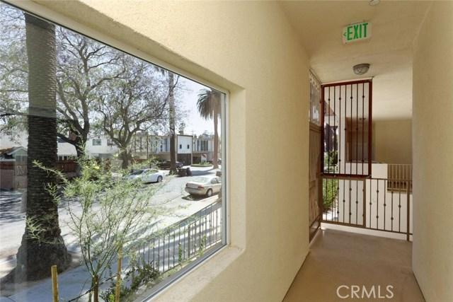 14735 Friar Street, Van Nuys CA: http://media.crmls.org/mediascn/ce851a35-7e24-4503-bb40-fc8c9f183afc.jpg