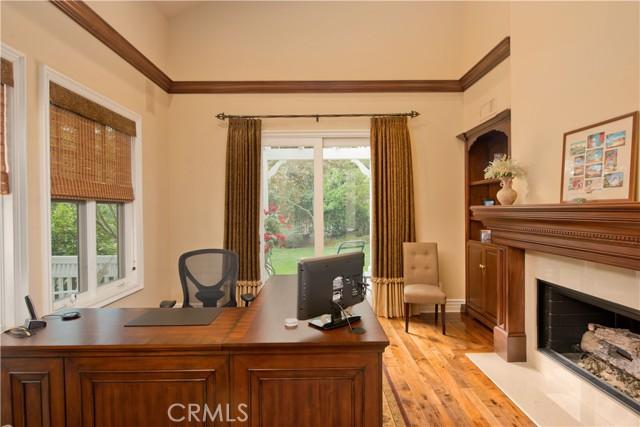 1495 Cheviot Hills Court, Westlake Village CA: http://media.crmls.org/mediascn/cebc5add-22ec-4ec3-81a9-57b8a945e9d8.jpg