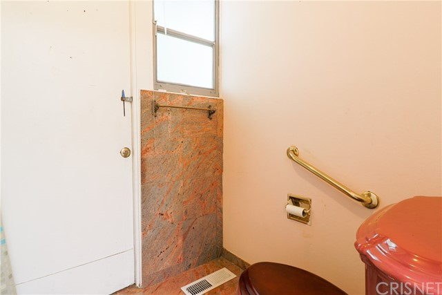 12662 Jimeno Avenue, Granada Hills CA: http://media.crmls.org/mediascn/cf08e37b-4d25-4e22-8366-9f8b12e1d63f.jpg