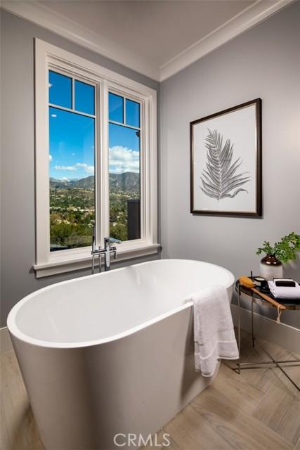 4200 Mesa Vista Drive, La Canada Flintridge CA: http://media.crmls.org/mediascn/cf50195f-db42-4047-a6e5-781b945dbbd3.jpg