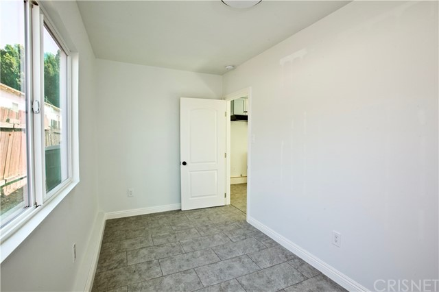 8660 Sharp Avenue, Sun Valley CA: http://media.crmls.org/mediascn/cf596493-016b-47b8-ad60-f445b3570ff7.jpg