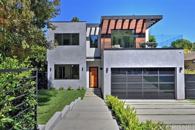 Photo of 15227 Valley Vista Boulevard, Sherman Oaks, CA 91403