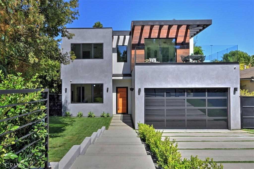 Photo of 15227 VALLEY VISTA Boulevard, Sherman Oaks, CA 91403