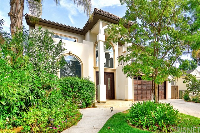 Single Family Home for Rent at 4910 Petit Avenue Encino, California 91436 United States