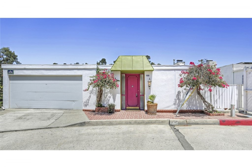 8747 HOLLYWOOD HILLS Road, Los Angeles (City), CA 90046