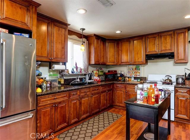 38757 Glenbush Avenue, Palmdale CA: http://media.crmls.org/mediascn/cffc37ed-6d4d-46e5-82e5-f9237dca913b.jpg