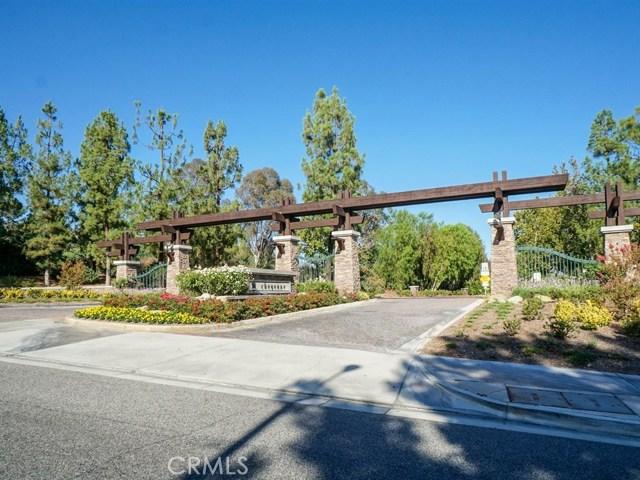 26607 Sierra Court, Valencia CA: http://media.crmls.org/mediascn/d02015f8-7c44-4c2c-bff1-d77a84e2ced2.jpg