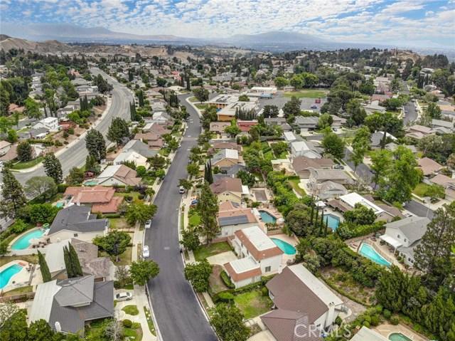 19136 Castlebay Lane, Porter Ranch CA: http://media.crmls.org/mediascn/d043da5b-670f-4718-ad23-7095e8fda819.jpg