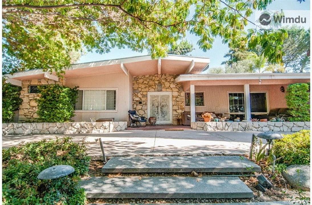 Photo of 23848 Killion Street, Woodland Hills, CA 91367