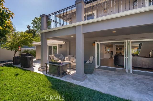 6140 Fenwood Avenue, Woodland Hills CA: http://media.crmls.org/mediascn/d097044d-c445-4958-9e1f-3bbaa102d88d.jpg