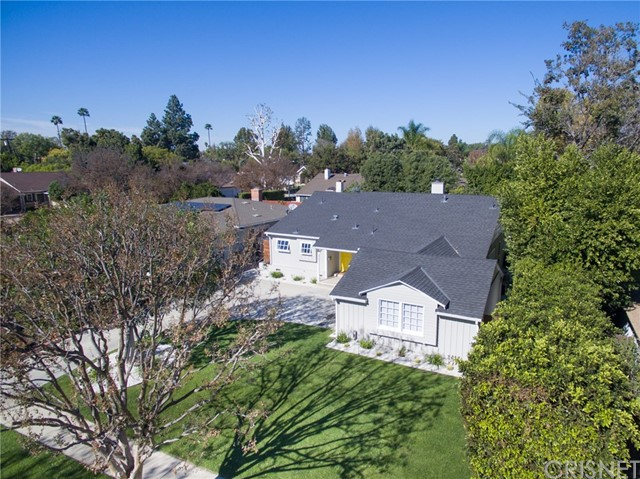 Additional photo for property listing at 12515 Milbank Street 12515 Milbank Street Studio City, California 91604 United States