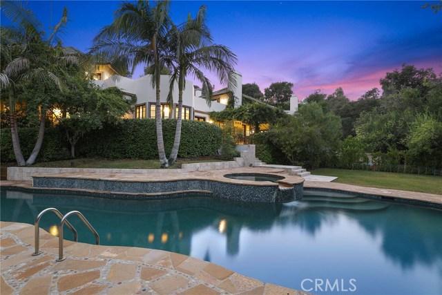 独户住宅 为 销售 在 1748 Correa Way 布伦特伍德, 加利福尼亚州 90049 美国