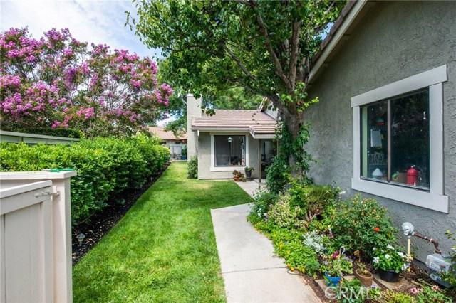 25925 Pueblo Drive, Valencia CA: http://media.crmls.org/mediascn/d0eb137f-a51e-4be5-af65-8305e0444ef5.jpg