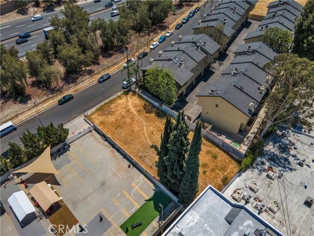 22949 del valle, Woodland Hills CA: http://media.crmls.org/mediascn/d0f2d1a6-5310-49e2-bca0-bcdb0c5d6967.jpg