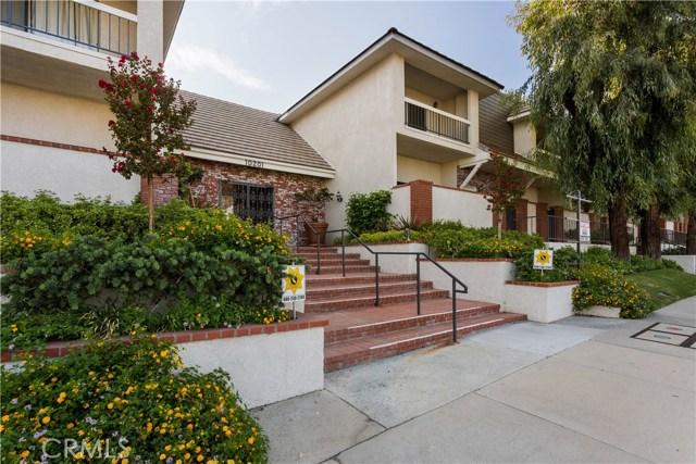 10201 Mason Avenue, Chatsworth CA: http://media.crmls.org/mediascn/d10b7252-00f2-4267-9e56-d8df6d1f644e.jpg