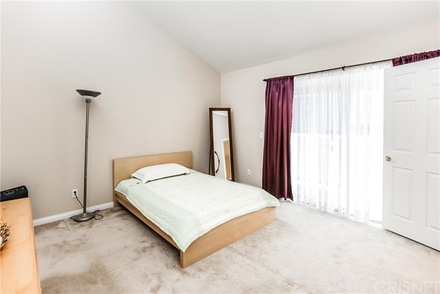 17736 Superior Street, Northridge CA: http://media.crmls.org/mediascn/d11d184b-e414-422a-a25d-f21cb74b54a2.jpg