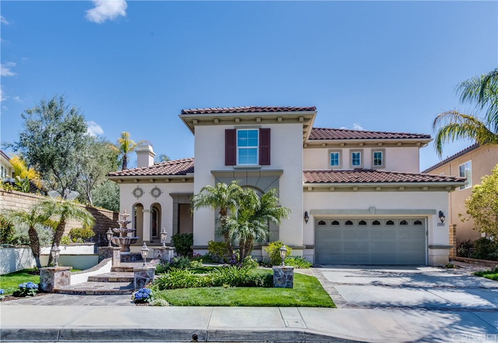Photo of 29184 VALLEY OAK PLACE, Saugus, CA 91390