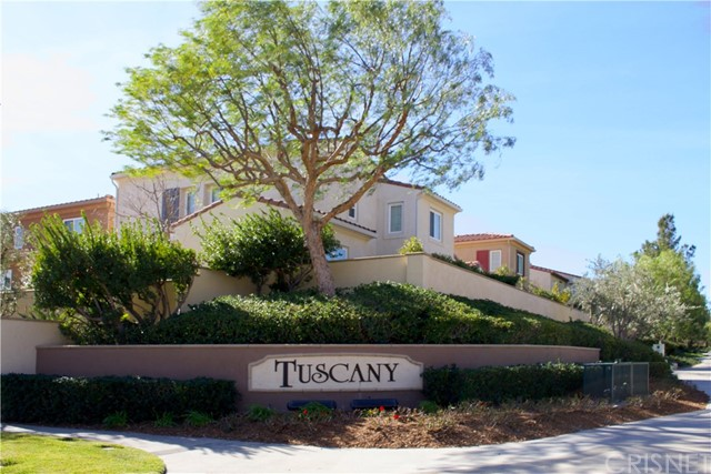 Townhouse for Sale at 20153 Livorno Way 20153 Livorno Way Porter Ranch, California 91326 United States