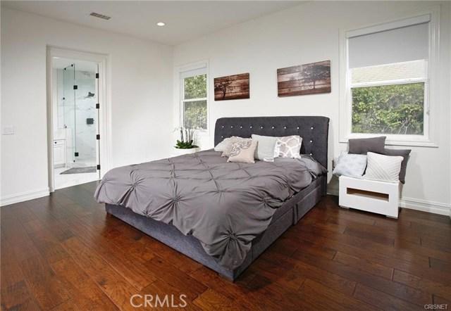 3750 Marfield Avenue, Tarzana CA: http://media.crmls.org/mediascn/d1936e60-33ba-4455-b48b-c97daeb5be65.jpg