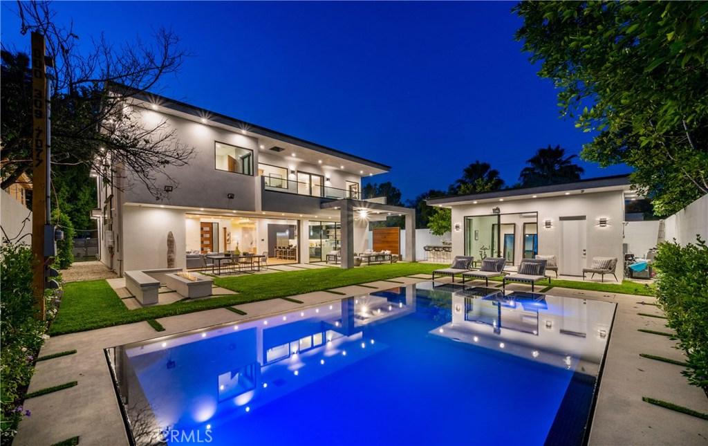 Photo of 14812 MORRISON Street, Sherman Oaks, CA 91403