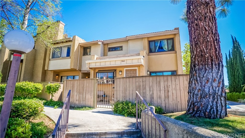 10061 Topanga Canyon Boulevard #1, Chatsworth, CA 91311