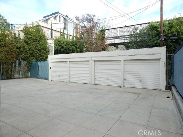 134 S Palm Drive, Beverly Hills CA: http://media.crmls.org/mediascn/d243eee4-fa8a-4954-b6b0-fe3ae7cbfe9b.jpg