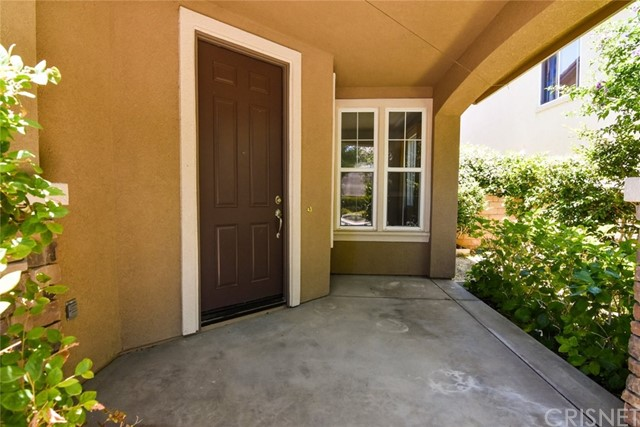 23813 Rio Ranch Way, Valencia CA: http://media.crmls.org/mediascn/d256164c-ce80-449d-9e04-4c7738ae35fd.jpg