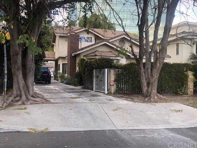 Photo of 16027 Dickens Street, Encino, CA 91436