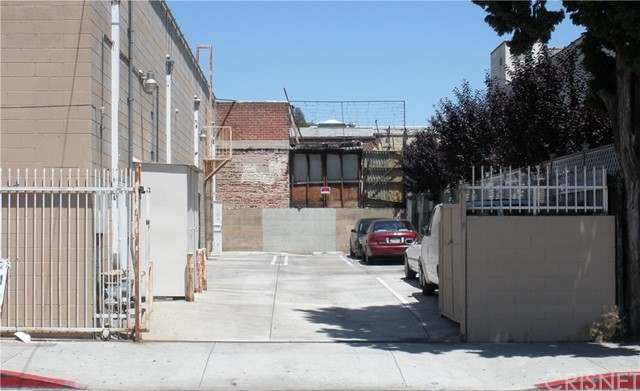5070 Hollywood Bl, Los Angeles, CA 90027 Photo 1